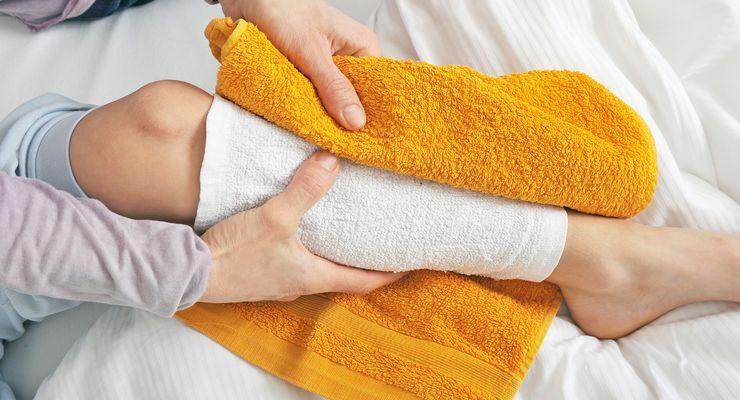 Wadenwickel mit feuchtem Handtuch mg_hausmittel.jpg