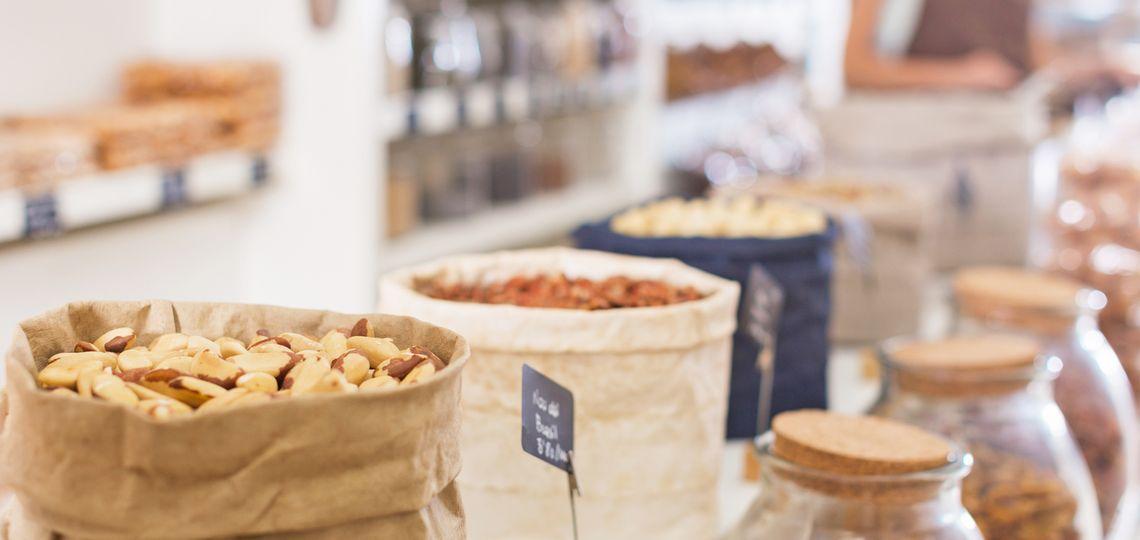 Einkaufsfläche für Nüsse, Samen und Kerne