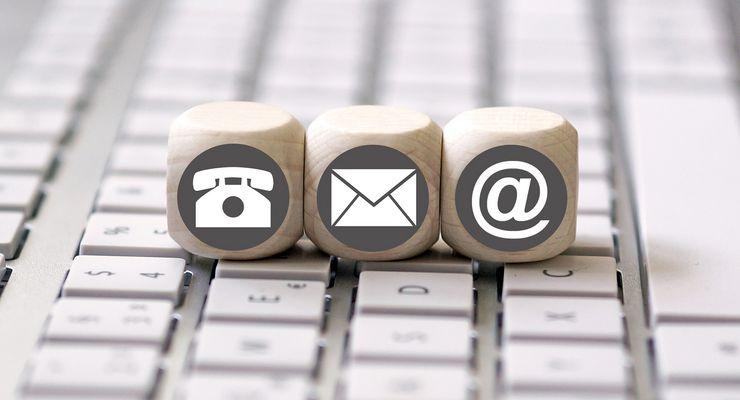 Telefonieren, Post lesen und eMails schreiben zeitgleich  mg_multitasking.jpg