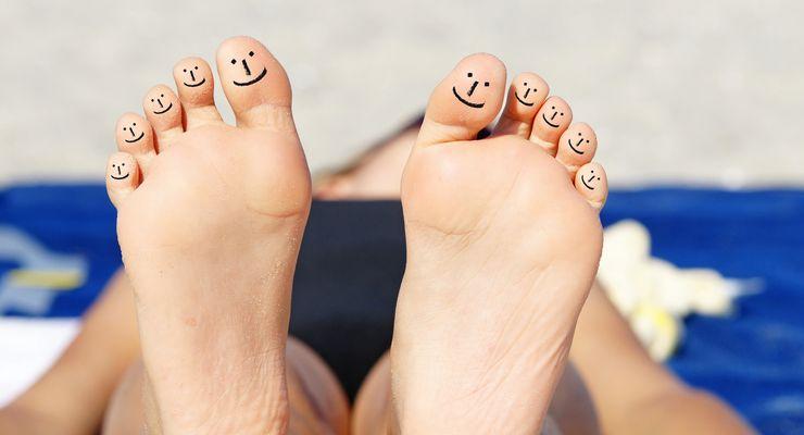 Fußsohlen mit Smileys auf jedem Zeh mg_fitte_fuesse.jpg