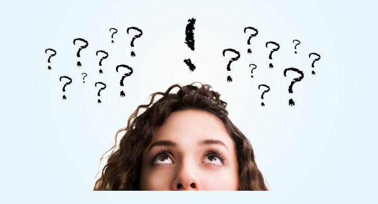 Frau mit vielen Fragezeichen über dem Kopf mg_gesundheitsmythen.jpg