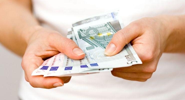 Geldscheine in Händen ml_zuzahlungen.jpg